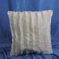 Наволочка декоративная из искусственного меха молочная в полоску 50х50 см. H-12