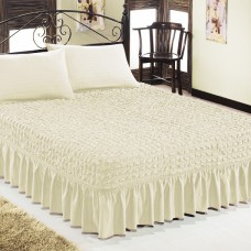 Чехол покрывало на кровать на резинке с 2 наволочками кремовый