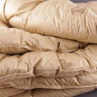 Одеяло из верблюжьей шерсти LUX полуторное. Всесезонное. Размер: 150х210см