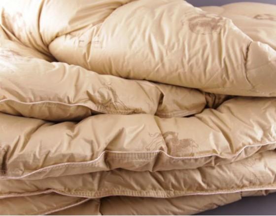 Одеяло из верблюжьей шерсти LUX Евро. Всесезонное. Размер: 200х220см